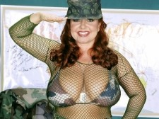 Wac it to this army babe